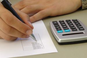 Einsparungen durch Stellenabbau bei Beamten