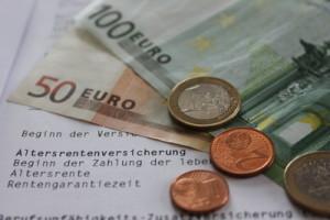 Peer Steinbrück greift Beamtenpensionen an